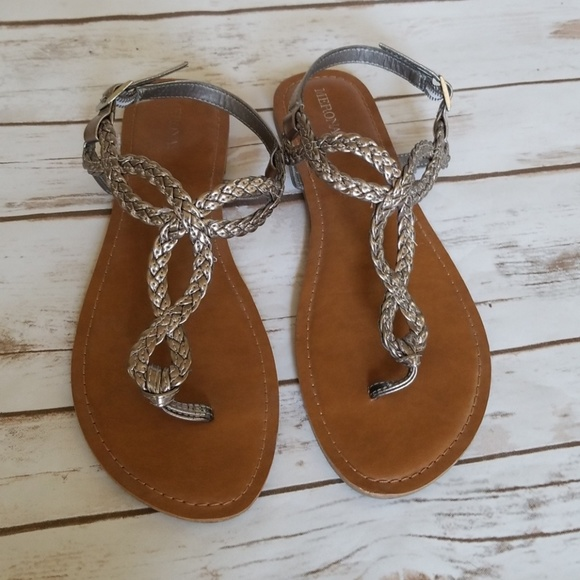 cc87739ede4cdc Braided flip flop silver metallic sandal womens 10.  M 5b09b7fec9fcdf80c3382051